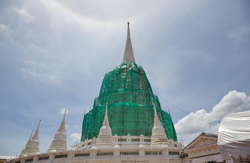 Prayurawongsawas Waraviharn Temple Pagoda 1
